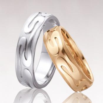 Золотые обручальные кольца на заказ в Киеве